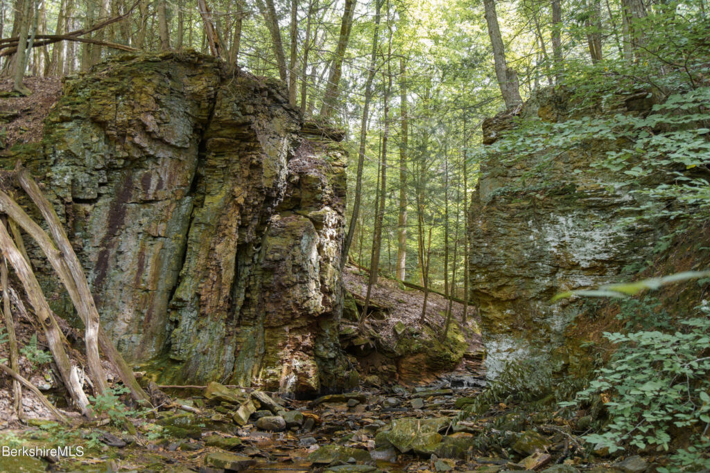 Beautiful naturally landscaped rocks